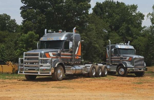Freightliner Trucks 122SD Tractors
