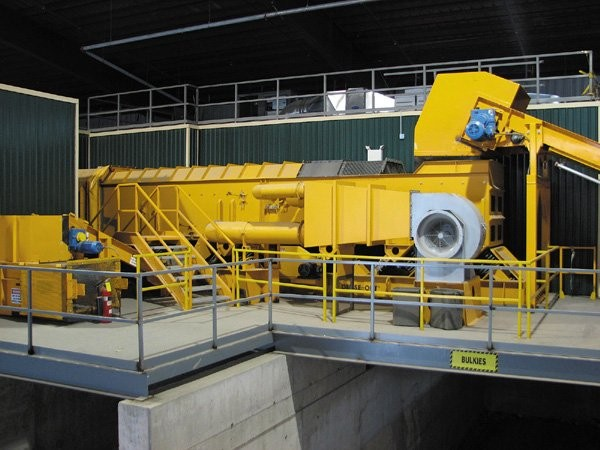 Countrywide recycling uses an Action Equipment Company Air Knife Dense Out Separator to sort their 12-inch and minus material.