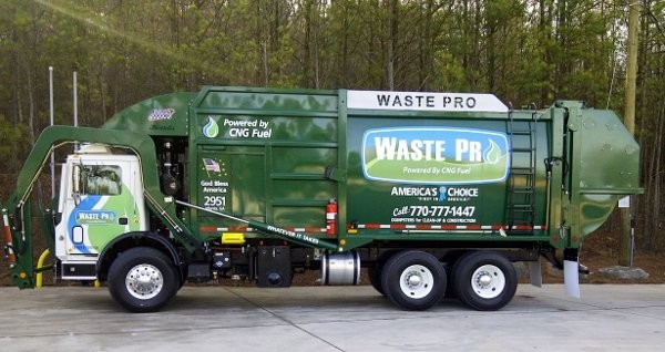 E-Z Pack – Mack collaboration results in first CNG front loader for Waste Pro USA