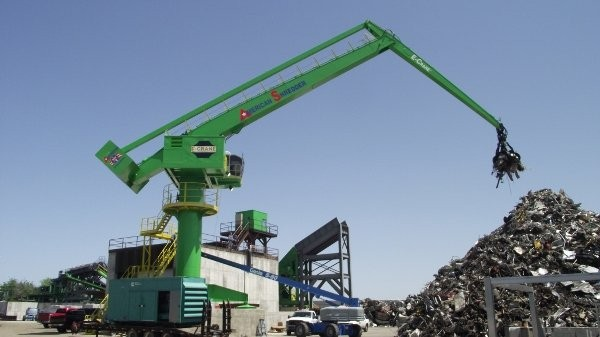 E-Crane installs pedestal-mounted unit for American Recycling