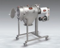 Two-bearing centrifugal screener cantilevers for quick cleaning