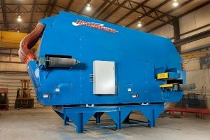 Ballistic separator for single-stream recycling