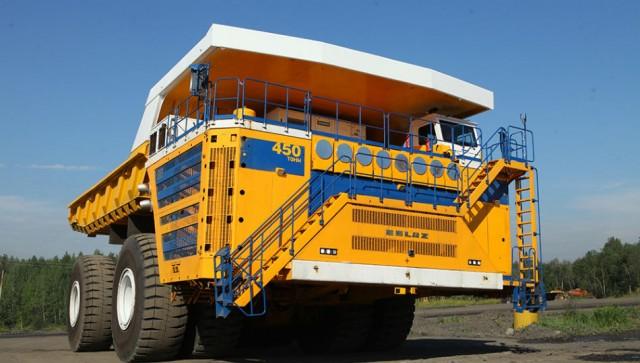 Record-breaking 450-tonne dump truck from Belaz