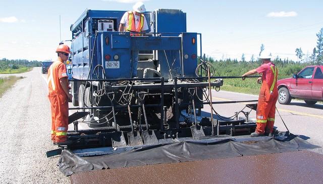 M210 Truck-Mounted Paver – Bergkamp Inc.