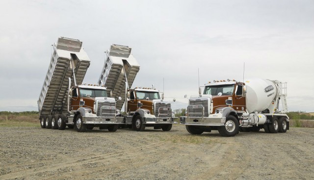 New Options for Freightliner 122SD Enhances Rugged Performance