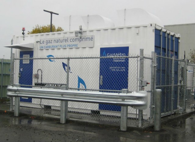 GazMétro provided a demo CNG program to refuel two trucks with their mobile compression system.