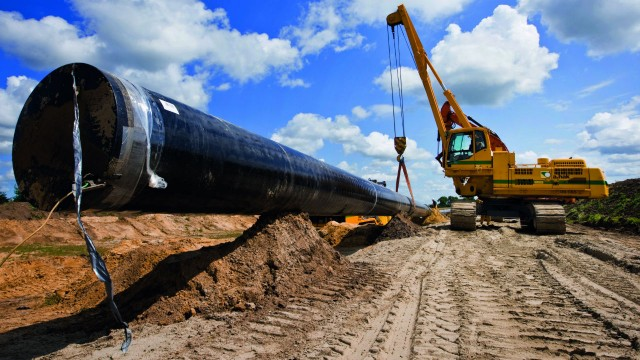 The Volvo PL4608 rotating pipelayer's lifting capacity and stability are perfect for handling large, heavy pipes with ease.