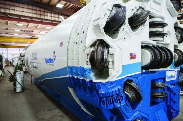The 3.0 m (9.8 ft) diameter Robbins Double Shield TBM bored a 4 km (2.5 mi) tunnel below downtown Montreal.
