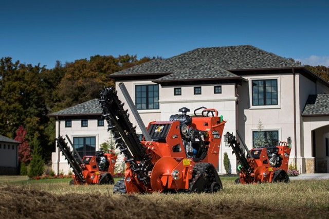 Exclusive to Ditch Witch, the CX-Series trenchers are equipped with the new patent pending CX Track system.