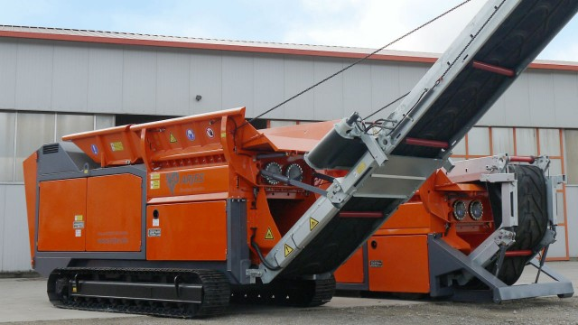 The ARJES VZ 850 DK primary shredder can be fitted with Volvo Penta's TAD1643VE and TAD1672VE engines.