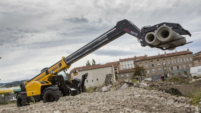The HTL5210 telehandler is ideally suited for all types of applications in the heavy construction, mining, oil, port cargo handling and recycling sectors.