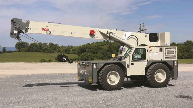 The Tier 4-compliant GCD25 carrydeck crane features a Cummins QSB4.5L Tier 4 Final engine.