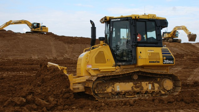 The D39PXi-24 crawler dozer, whether rented, leased or purchased, is covered by the Komatsu CARE program for the first three years or 2,000 hours, whichever comes first.