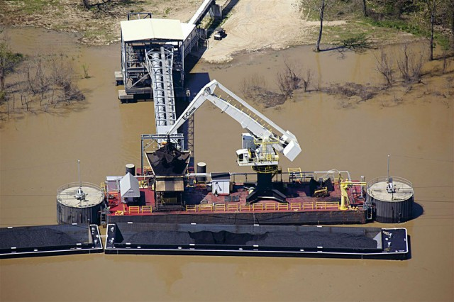 2000 Series / Model 18264 Barge Mounted E-Crane Unloading Barges