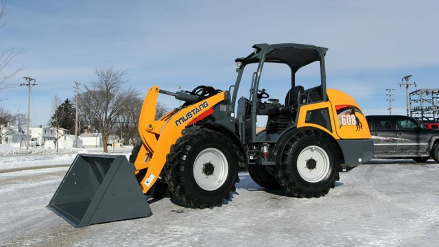 The Mustang 608 articulated loader is powered by Yanmar 64.4-hp (48-kW) engine using a diesel particulate filter aftertreatment system.