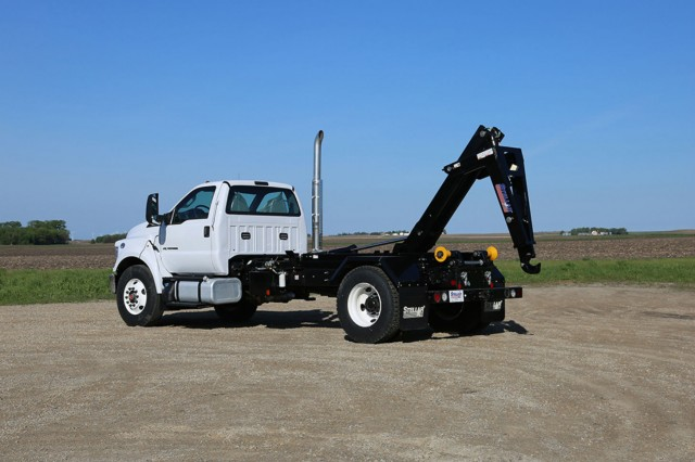 Stellar's lineup of 20,000-pound-capacity hooklift loaders offer a wide selection with many different lengths available from 102- to 200-inch cab-to-axle lengths for single rear axle truck chassis.