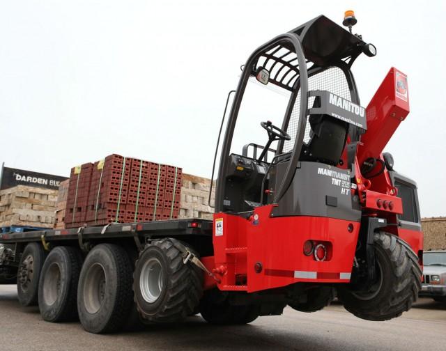 TMT 55 HT truck-mounted forklift