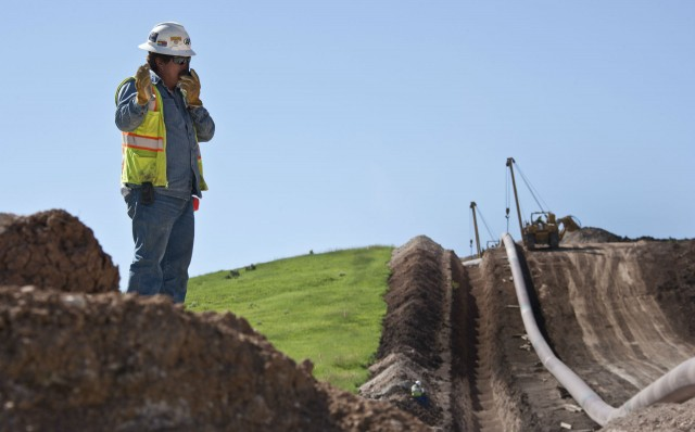 Pipeline construction jobsites are constantly moving and changing; ensuring that employees are safe is challenging, especially with few options for focused safety training.