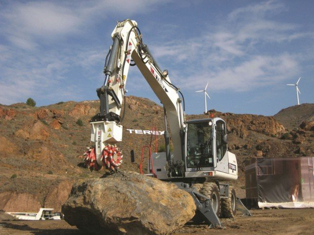 Terex transverse cutting units main fields of application are trench and pipeline, construction demolition, road construction, scaling/grinding/profiling  and many others.