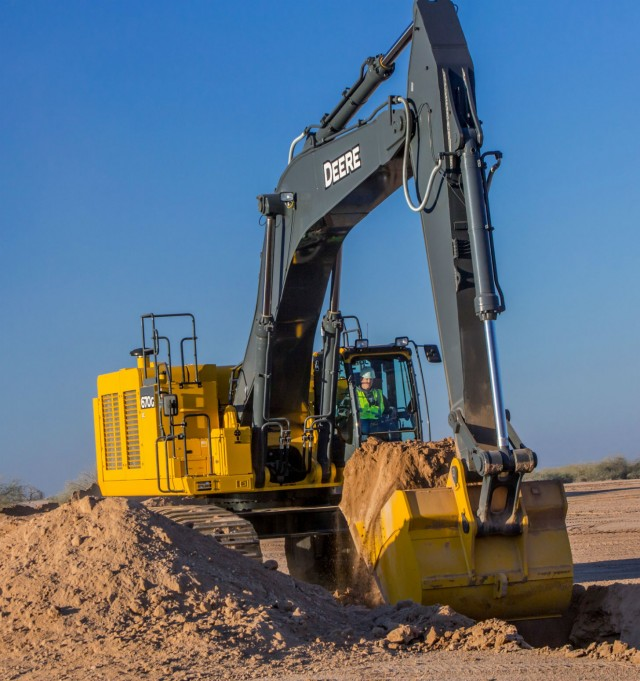 The John Deere 670G LC excavator is an efficient, reliable and durable member of the G-Series lineup for mass earthmoving.