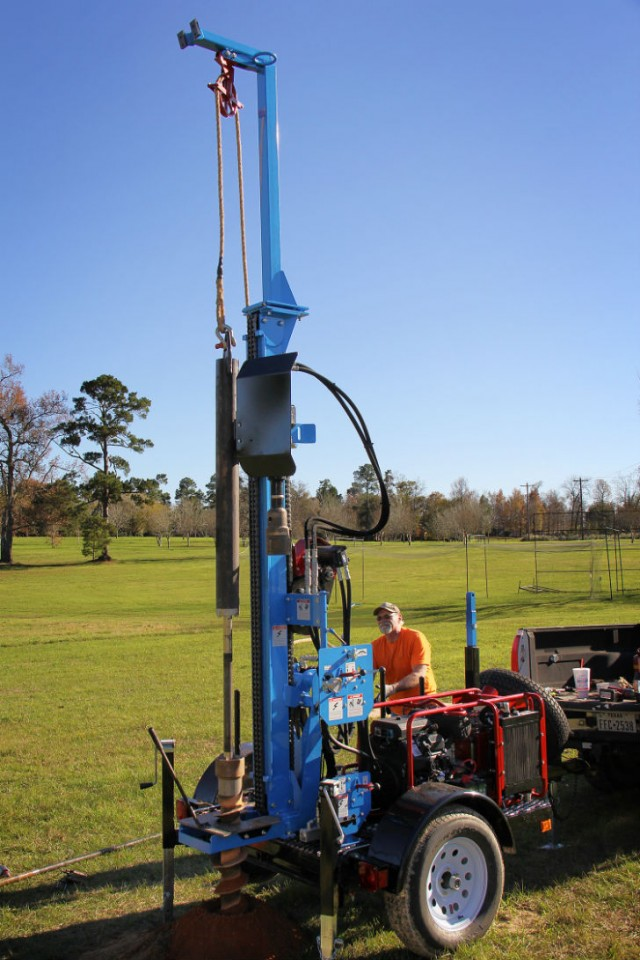 Little Beaver offers a new Lone Star LST1G+HD heavy-duty geotechnical drill rig that achieves hollow stem auger drilling to 100 feet.