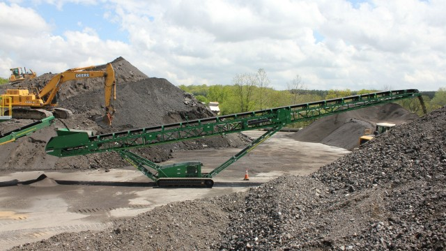 ST80T tracked stacker