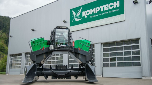 Komptech Topturn X4500