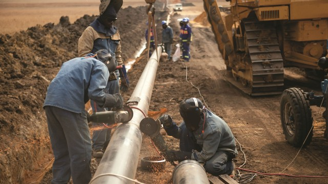 Pipeline-related oil spills are costly and cause public outcry. A new construction and operation method using double-wall pipes may help ease those concerns.