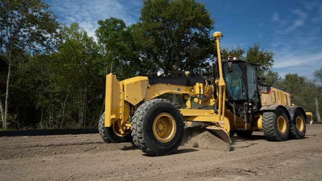 The Cat 14M3 motor grader has a load-sensing system and advanced electrohydraulics that gives operators superior implement control and hydraulic performance.