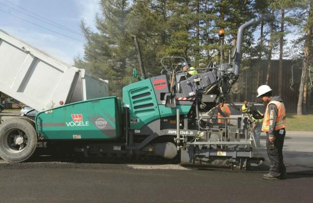 Vogele Super 1300-3i asphalt paver is well suited for both commercial and government work.