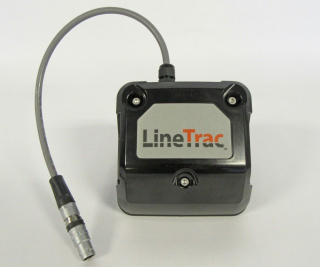 LineTrac employs a three-axis 50/60 Hz magnetometer that is used to locate powered and non-powered utilities.