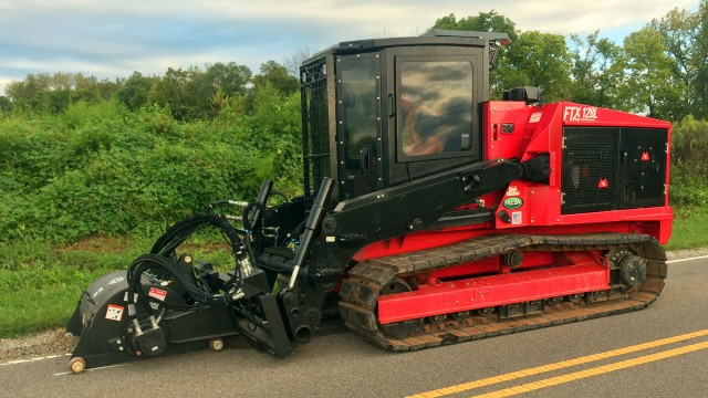 The FTX128L offers exceptionally high performance in a compact tractor for any mulching job, big or small.