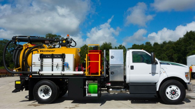 The JTV 873 PTO is a new series of PTO truck driven systems. This PTO truck combines vacuum excavation with high pressure jetter capabilities putting it in a league of its own.