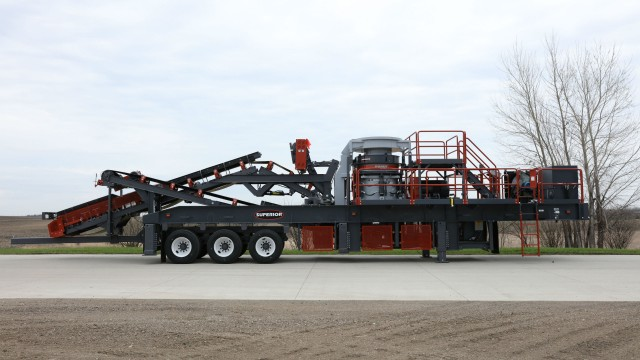 The Patriot Cone Crusher Plant delivers portable crushing capabilities unique in the market by providing options like Vantage Automation and Level Assist that are exclusive to Superior.
