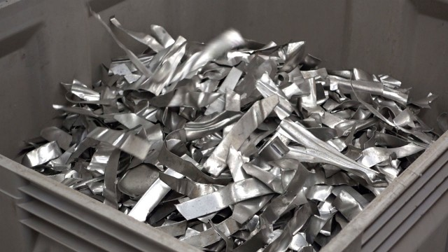 Stamping waste from the automobile industry (Alu-minium alloys 5xxx und 6xxx)