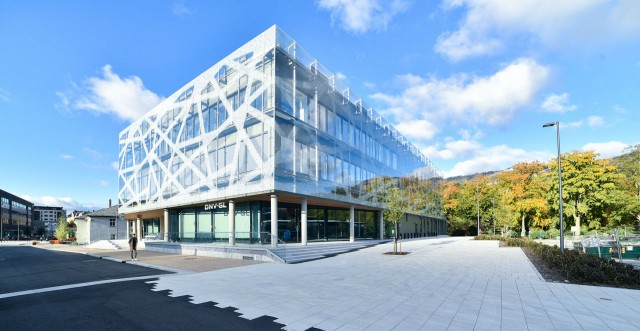 The DNV GL technology centre for materials, corrosions, coatings, offshore mooring and lifting in Bergen.