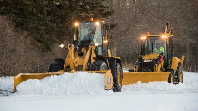 The Cat Straight Snow push features a standard trip edge system which protects your machine and tool from unseen obstacles.