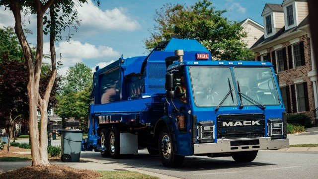 Mack GuardDog Connect, Mack's integrated telematics solution, is now available and standard in all Mack-powered vehicles, including the Mack LR, Mack's newest refuse model. Mack made the announcement  at the Canadian Waste and Recycling Expo in Toronto.
