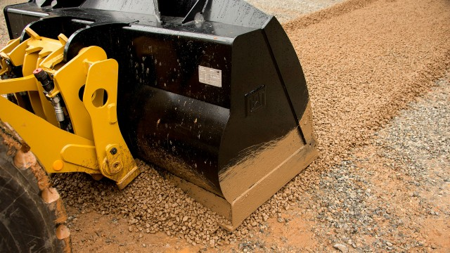 The new Performance Series flat-floor buckets are designed specifically for Cat M and K Series small wheel loaders.