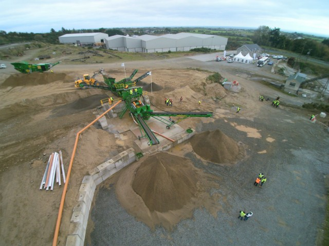 S190 Screen and WS3250 stockpiler aerial view.