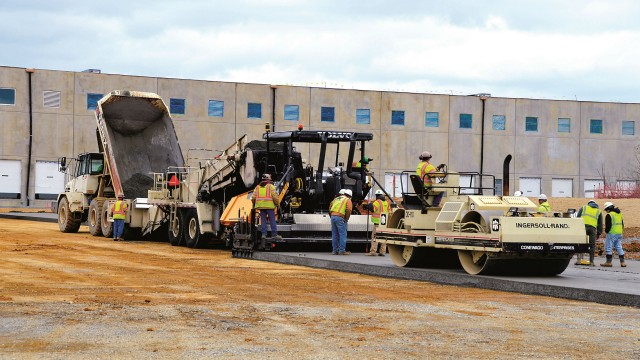 Roller Compacted Concrete Morgan Corp : Lafarge heavy equipment guide