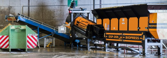 Doppstadt's DSP 205 processes packaged food waste residues reliably without pre-treatment, and without wrapping or jamming.