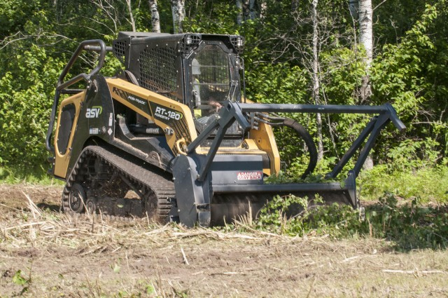 Large-frame CTL designed for forestry work
