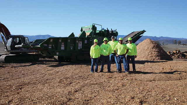 Bunyon Bros. Tree Service handles everything from removals to land clearing, stump grinding, pruning, disease treatment, firewood, crane service and more. Among his fleet of machines are five Bandit hand-fed chippers and a Bandit Beast, model 3680 tracked grinder.