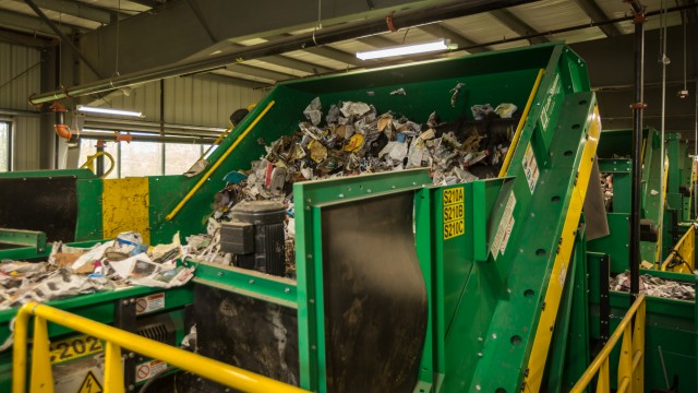 The FCC Dallas MRF system was designed by Van Dyk Recycling Solutions, with the goal of bringing Dallas closer to its goal of zero-waste by the year 2040.