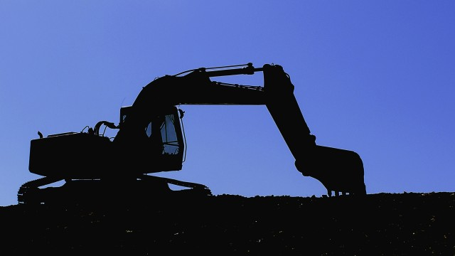 Construction activity in Canada moves into slow growth mode