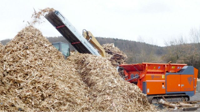 From wood waste to biomass fuel with Volvo Penta engines and ARJES machinery