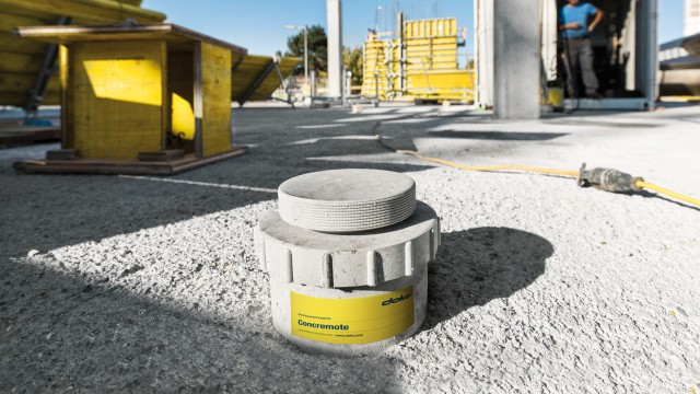 Framework equipped with sensors to measure qualities of fresh concrete