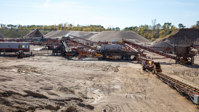 Concrete company rock pit provides proving ground for aggregates equipment