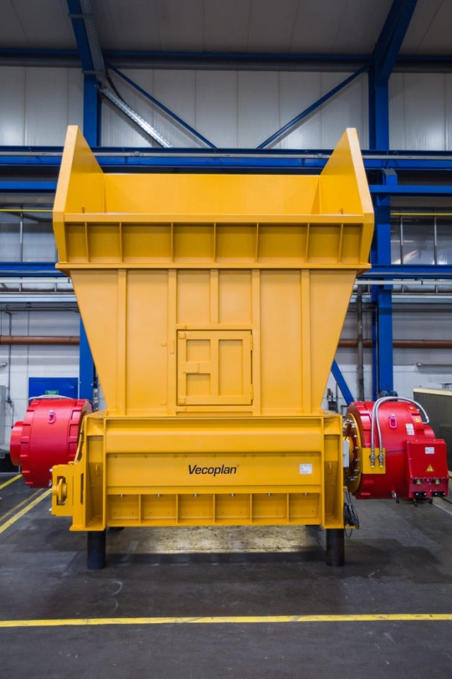 Vecoplan's new bag opener, the VSA 250 T opens bags gently and empties them, yet is built robust, energy efficient and for low maintenance.